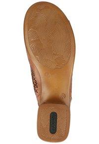 Remonte - Sandalen met enkelbandjes - muskat - 4