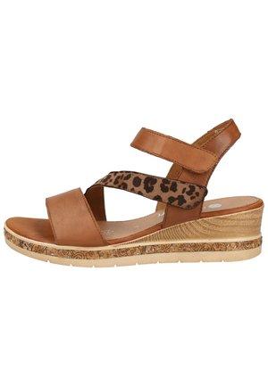 Sandalen met sleehak - muskat/loam 1