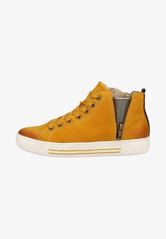 Sneakersy niskie - mais / 68