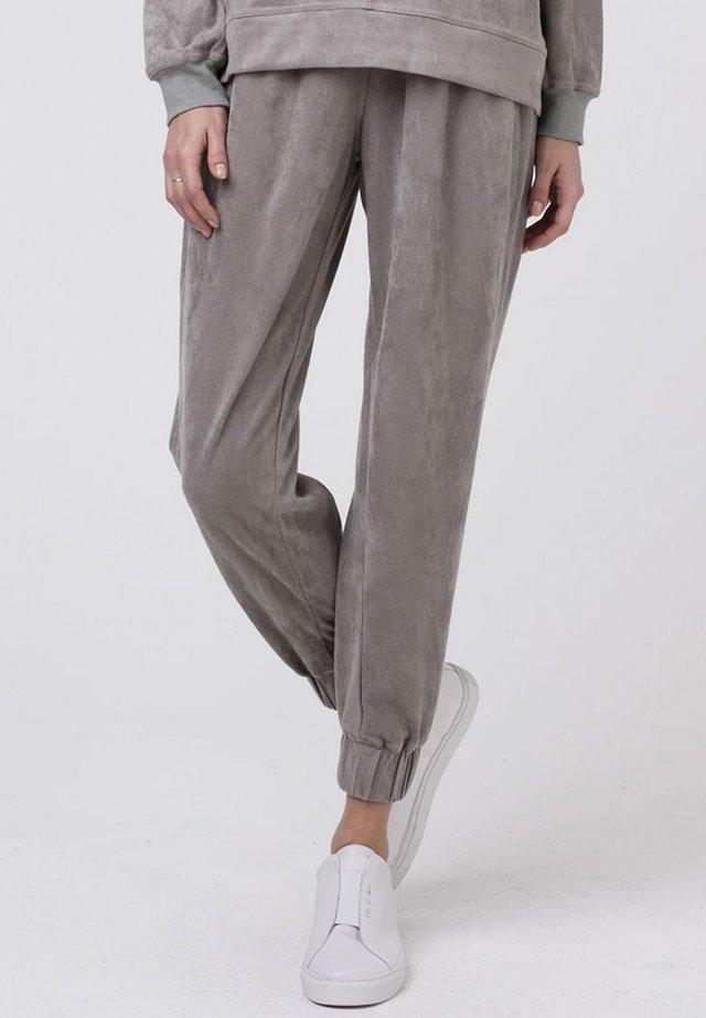 ETHOS - Tracksuit bottoms - paloma grey