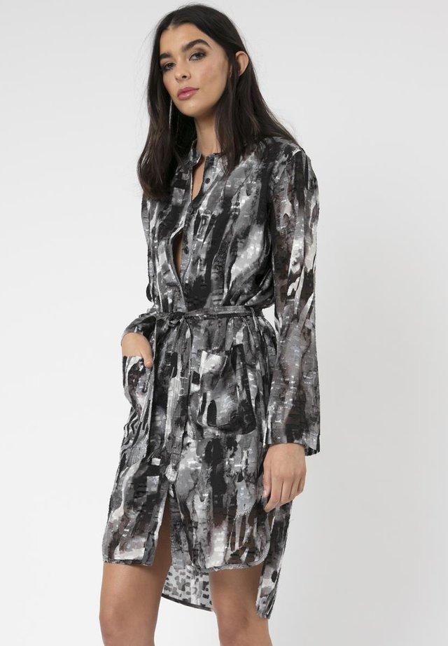 CONSCIOUSNESS KAFTAN - Shift dress - black