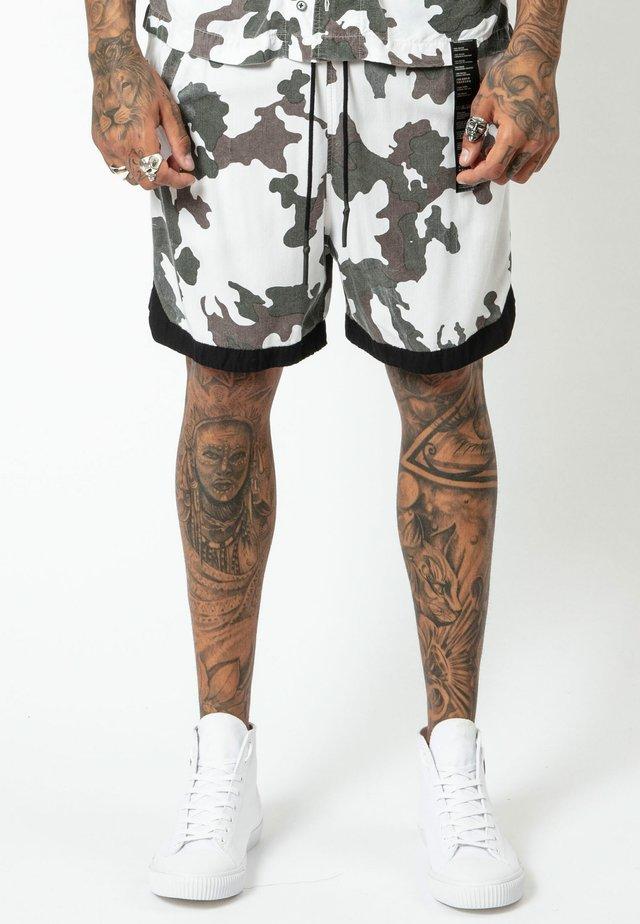 BLUR - Shorts - camo