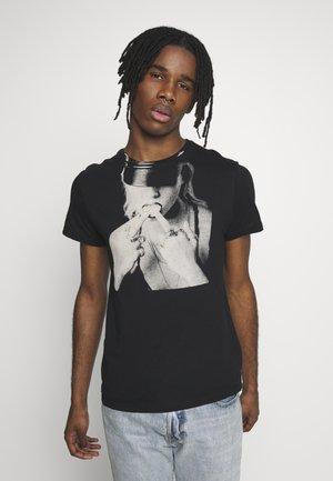 KNUCKLE TEE - T-shirt med print - black