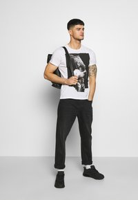 Religion - PATCH TEE - Print T-shirt - white - 1