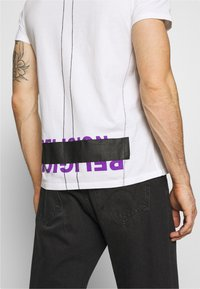 Religion - PATCH TEE - Print T-shirt - white - 3
