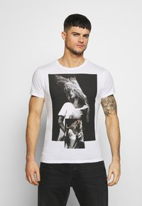 Religion - PATCH TEE - T-shirts med print - white - 0