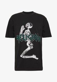 Religion - PLATINUM TEE - Print T-shirt - black/green - 0
