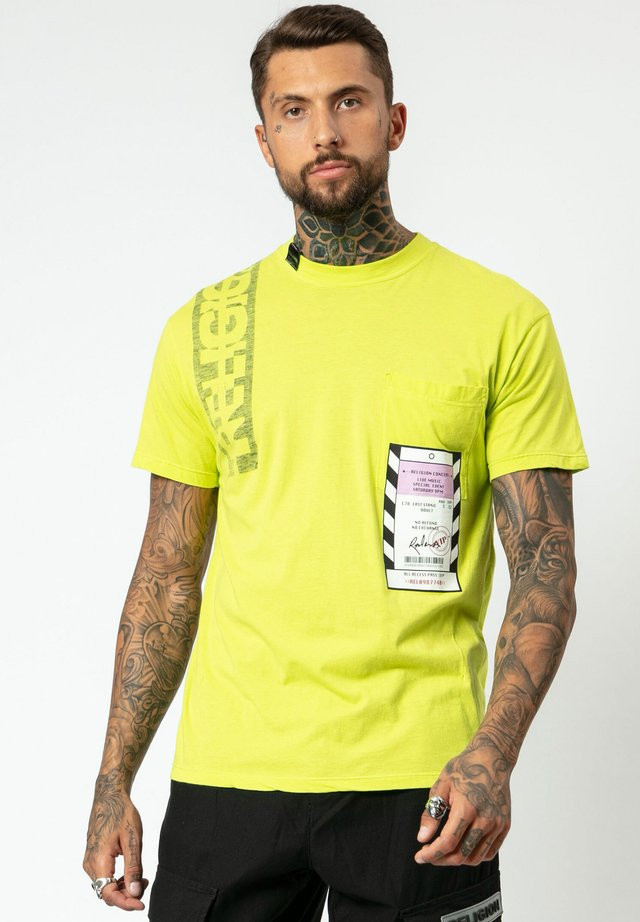 ACCESS TEE - Print T-shirt - lime green