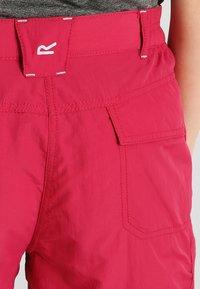 Regatta - CHASKA SHORT - Pantaloncini sportivi - dark cerise - 4