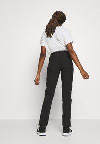 Regatta - XERT - Pantalones montañeros largos - black - 2
