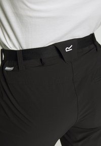 Regatta - XERT - Pantalones montañeros largos - black - 6