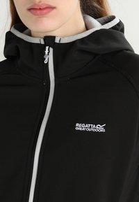 Regatta - AREC II - Softshellová bunda - black - 3