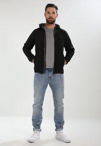Regatta - AREC  - Softshellová bunda - black - 1