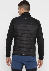 Regatta - BESTLA HYBRID - Outdoor jakke - black - 2