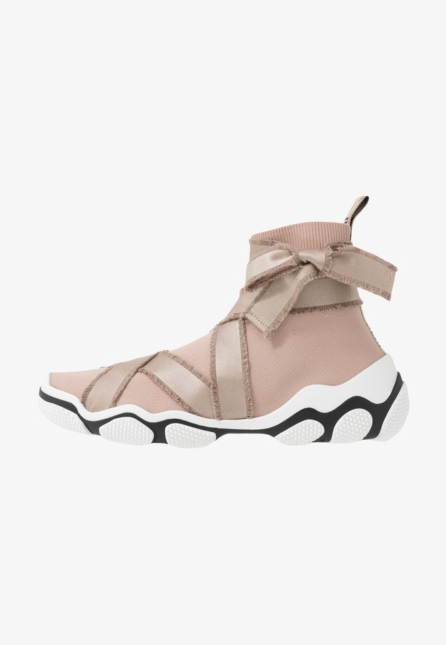 Sneakersy wysokie - nude