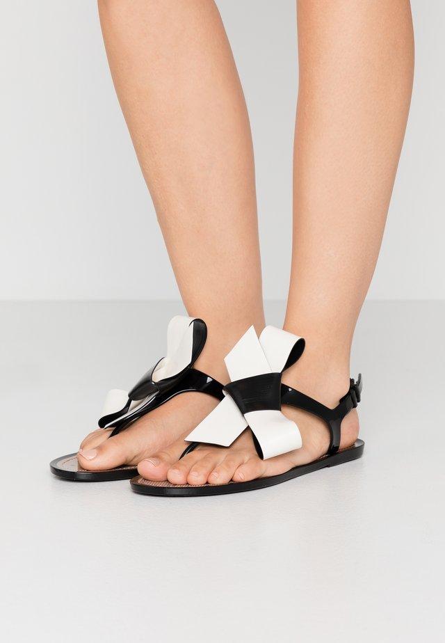 Pool shoes - black/milk