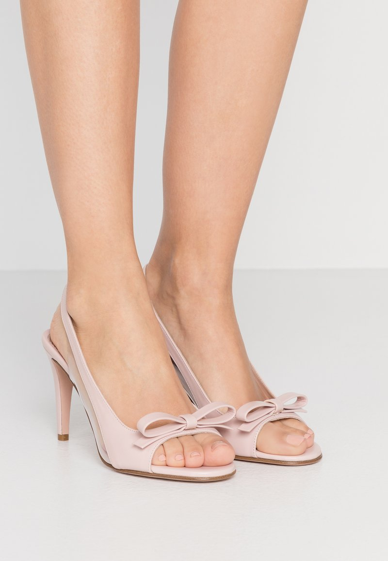 Red V - Sandály na vysokém podpatku - nude