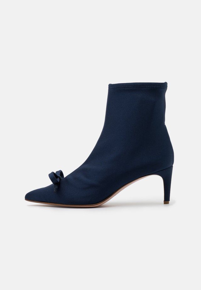 BOOTIE - Classic ankle boots - cobalto