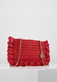 Red V - ROCK RUFFLES RAFFIA CLUTCH - Across body bag - coral - 3