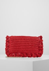 Red V - ROCK RUFFLES RAFFIA CLUTCH - Across body bag - coral - 0