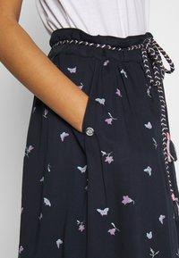 Ragwear - DEBBIE BUTTERFLIES - A-line skirt - navy - 3
