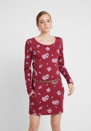 TALONA - Pouzdrové šaty - wine red