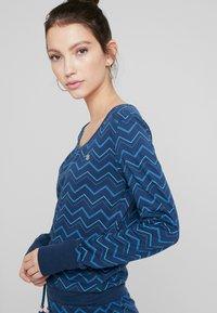 Ragwear - ALEXA ZIG ZAG - Vestito di maglina - denim blue - 5