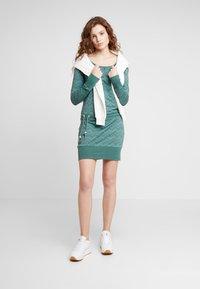 Ragwear - ALEXA ZIG ZAG - Jerseyjurk - green - 1