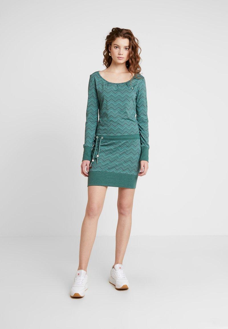 Ragwear - ALEXA ZIG ZAG - Vestito di maglina - green