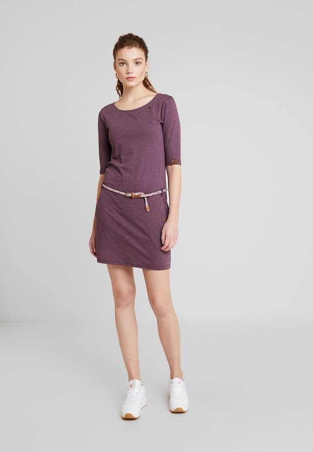 TANYA - Pouzdrové šaty - wine red