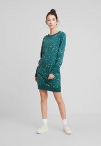 Ragwear - MENITA FLOWERS - Kjole - green - 2