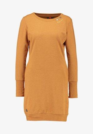 MENITA - Denní šaty - cinnamon