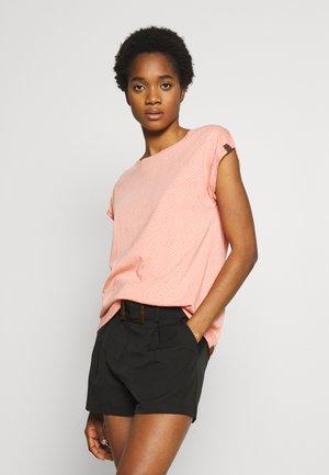DIONE - Print T-shirt - peach