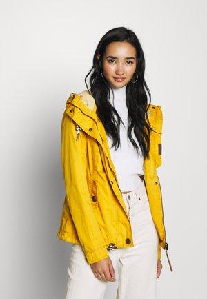 RIZZE - Lett jakke - yellow