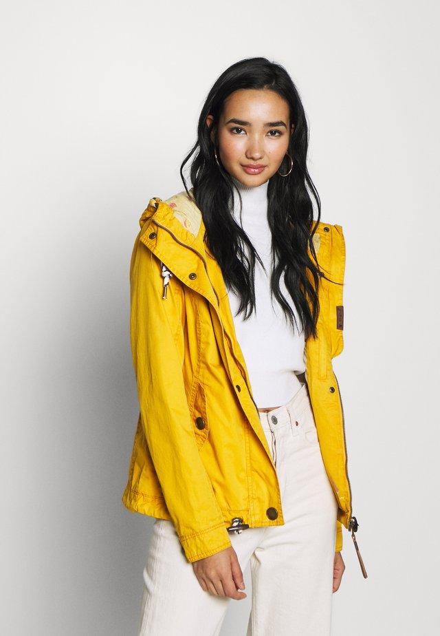 RIZZE - Lehká bunda - yellow