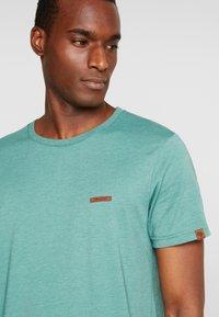 Ragwear - NEDIE - T-shirt basique - green - 4