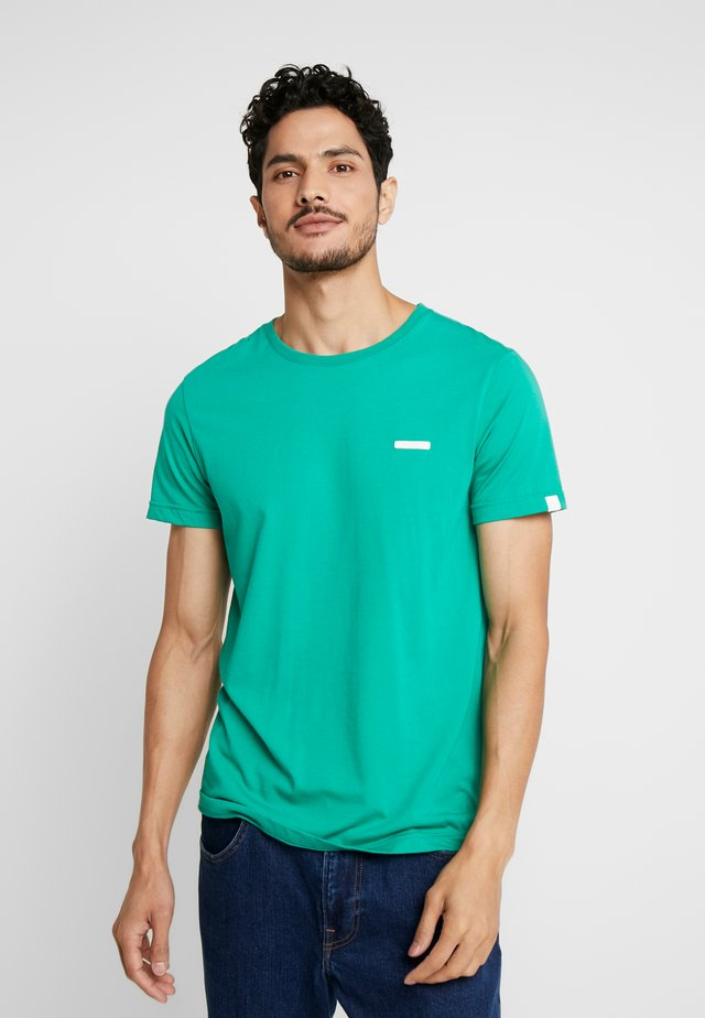 NEDIE - Basic T-shirt - green