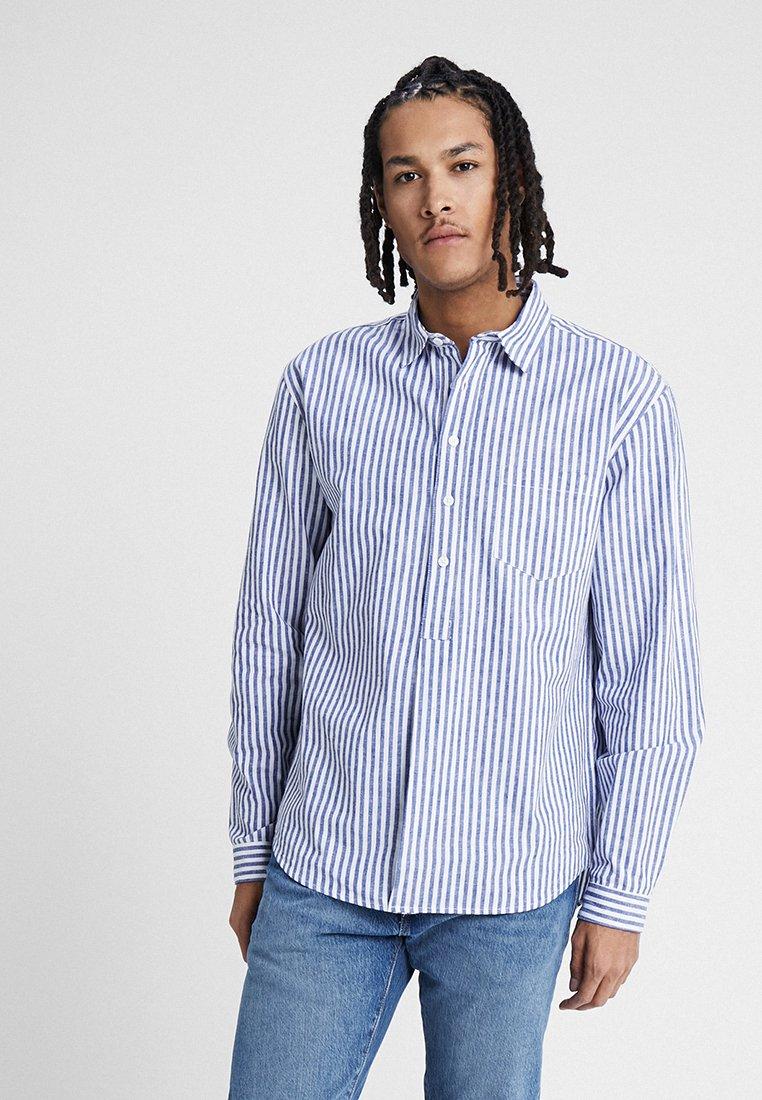 Resteröds - POP OVER SHIRT - Hemd - white/blue