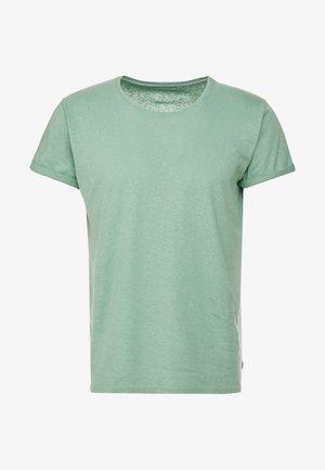 JIMMY  - Camiseta básica - frosty spruce