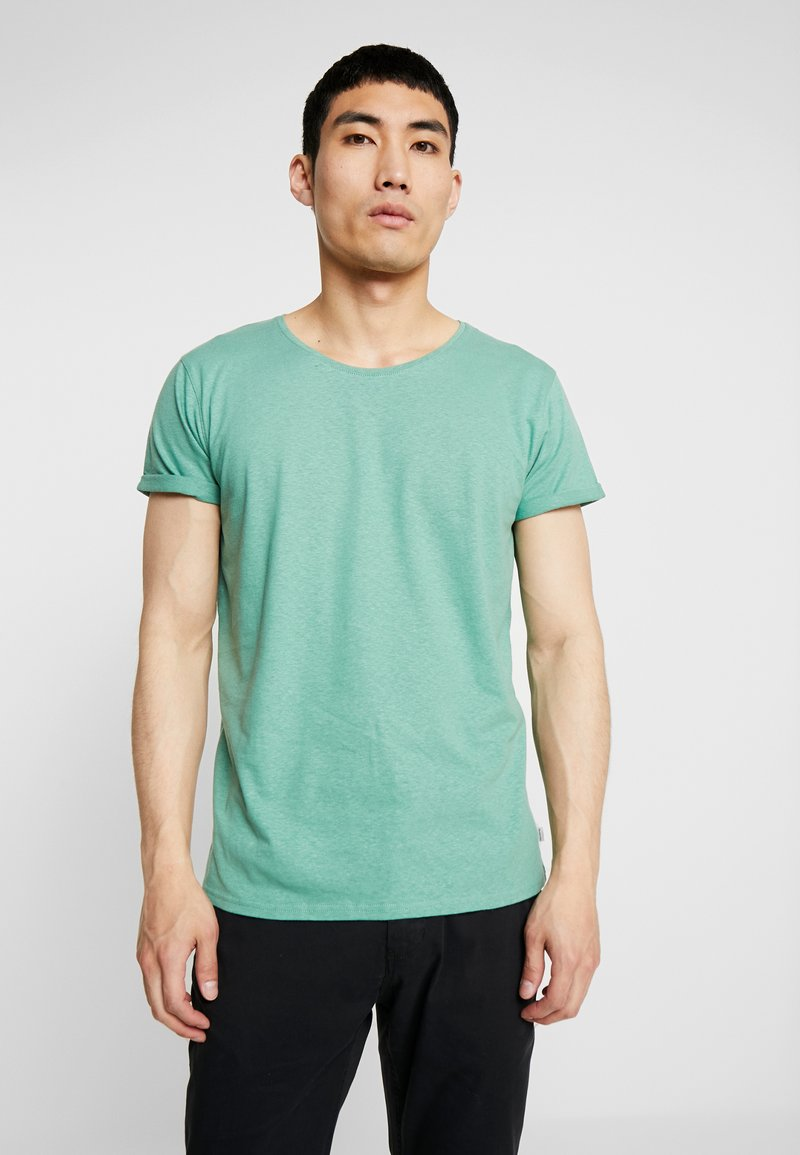 Resteröds - JIMMY  - Basic T-shirt - frosty spruce