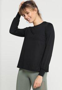 Röhnisch - FLATTERING - Langarmshirt - black - 0