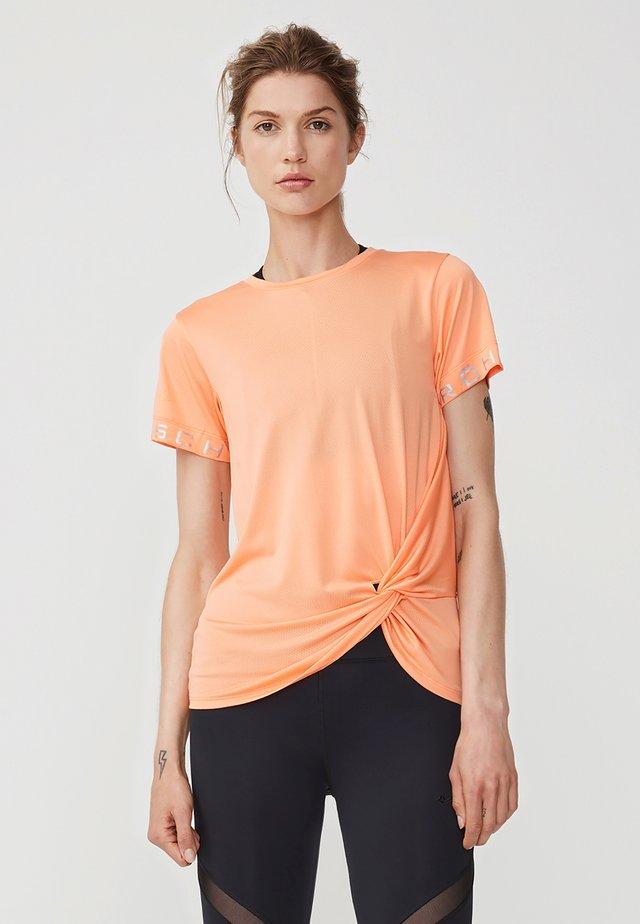 KNOT TEE - Print T-shirt - cantaloupe