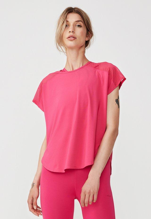 MIKO  - Print T-shirt - fuchsia