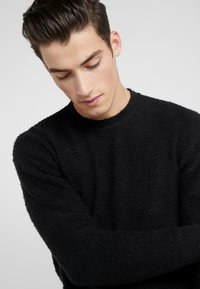 Roberto Collina - CREW NECK - Pullover - black - 3