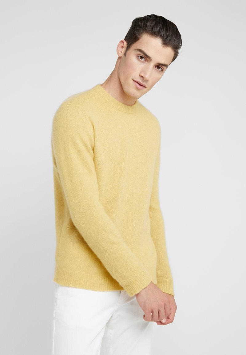 Roberto Collina - CREW NECK  - Strikkegenser - yellow