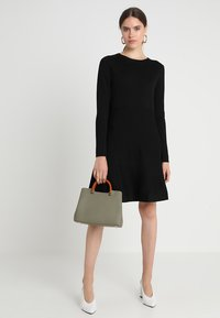 Soft Rebels - HENRIETTA DRESS - Stickad klänning - black - 2