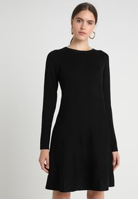 Soft Rebels - HENRIETTA DRESS - Stickad klänning - black - 0
