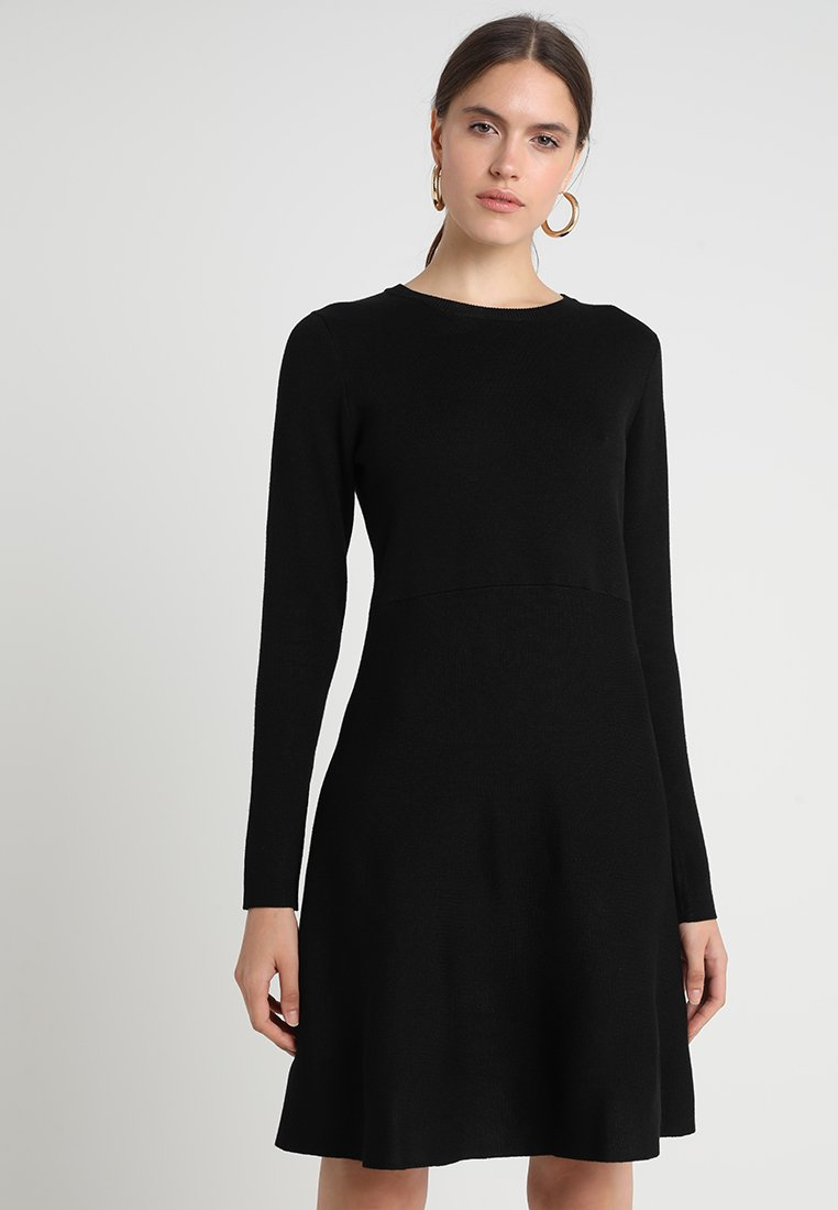 Soft Rebels - HENRIETTA DRESS - Stickad klänning - black