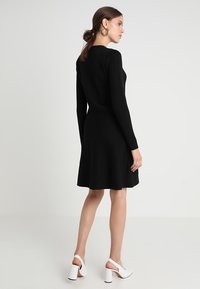 Soft Rebels - HENRIETTA DRESS - Stickad klänning - black - 3