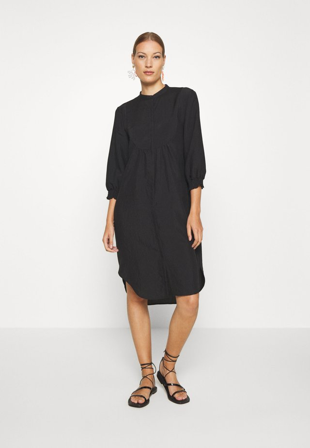 NELLY 3/4 LONG - Blousejurk - black